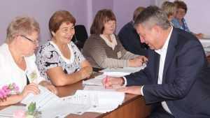 Руководители Брянской области проголосовали со своими семьями