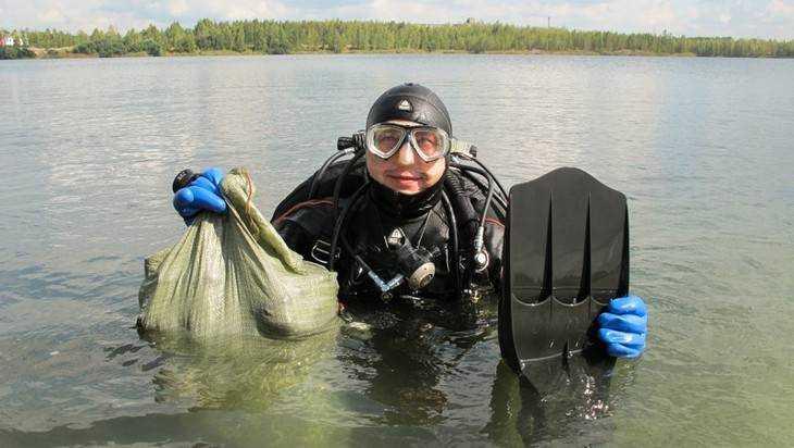 Брянский «Скат» очистил «керамзитовое» озеро от черепов и телефонов