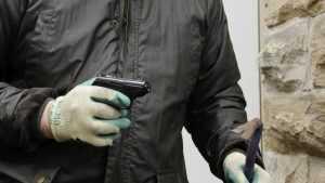 Задержан грабитель, вырвавший сумку у прохожего на улице Брянска