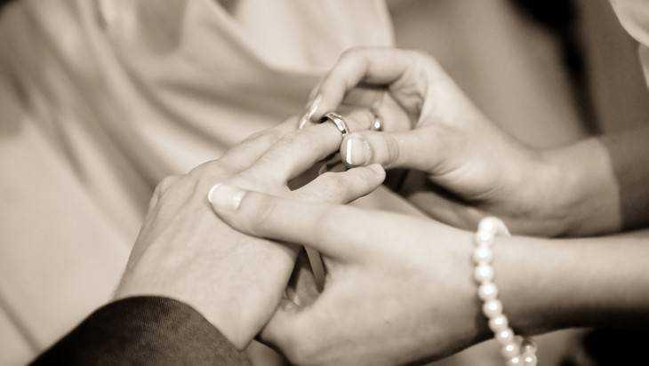 В Брянске школьников будут учить семейным отношениям