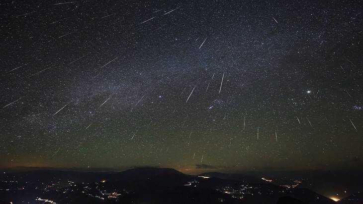 Предстоящей ночью брянцы смогут увидеть «звездный дождь»