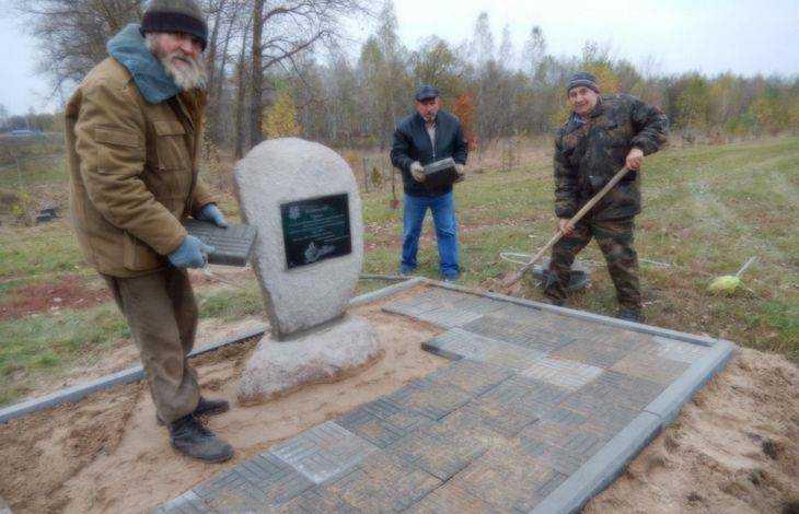 Брянские поисковики увековечат память сибирских бойцов