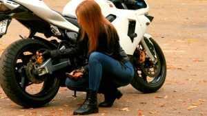 В центре Брянска разбилась юная мотоциклистка