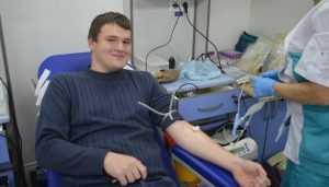 Брянские студенты поделились своей кровью