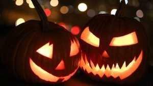 В брянском клубе «Велес» поиграли в злых духов хеллоуина