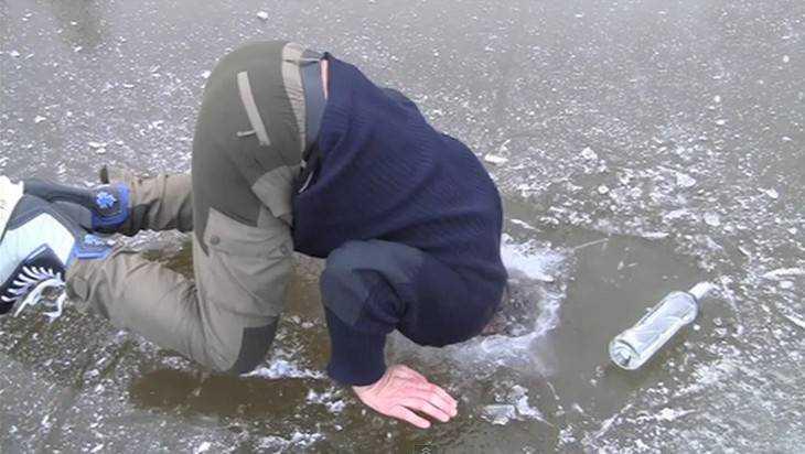 Брянцев предупредили о коварстве льда на водоемах и реках
