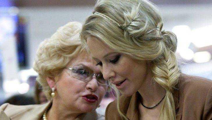 Бывшему брянскому сенатору Нарусовой Ксения Собчак подарила внука