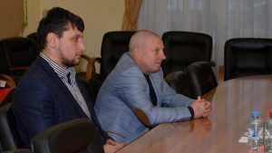 Брянские власти поздравили пятикратного чемпиона мира Артема Осипенко