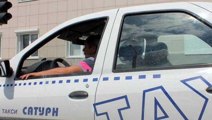 Полиция обратилась к очевидцам ДТП с такси «Сатурн» в Брянске