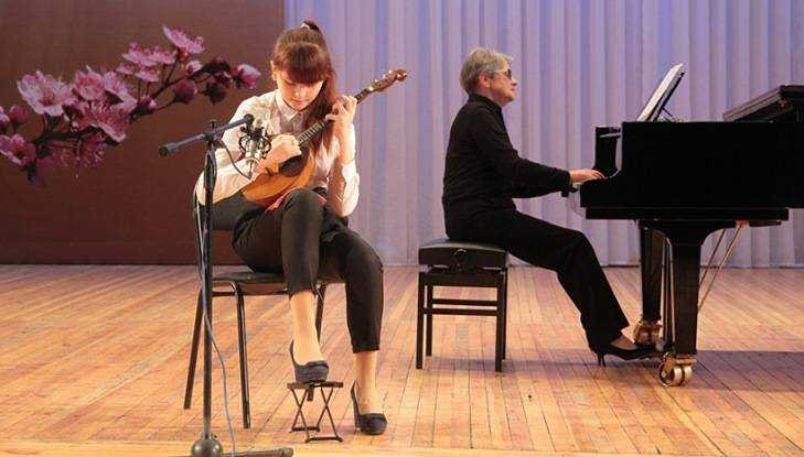 В брянскую школу искусств прибыл рояль из Германии