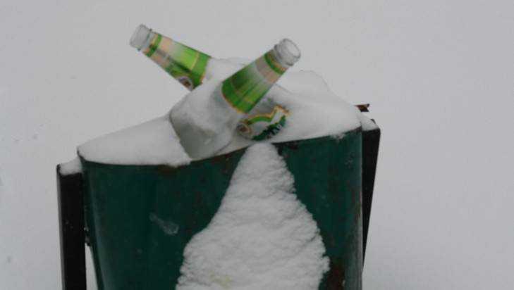 Брянск вечером по-зимнему замело