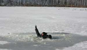 Брянец утонул, провалившись под лёд на Десногорском водохранилище