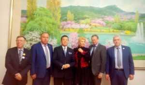 Изборский клуб почтил память Ким Чен Ира в посольстве КНДР