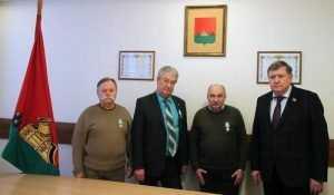 Брянские историки и художники получили медали за герб