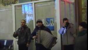 Полусонный вокзал Брянска разбудили «Катюшей»