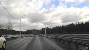 Обновленный мост под Брянском покрыли горячим асфальтобетоном
