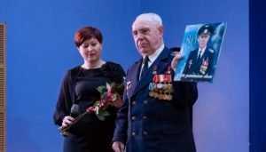 Брянские кадеты поздравили с 80-летием героя страны Ивана Кашина