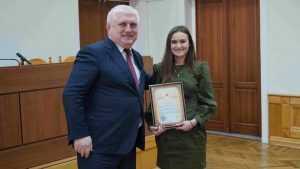 Прокурор Брянской области наградил студентов