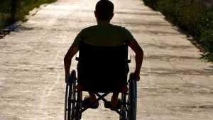 Брянские чиновники в полтора раза переплатили за коляски для инвалидов