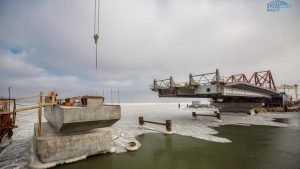 Началось сооружение морских пролетов Крымского моста