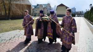 В Брянск доставили мощи святой Матроны Московской