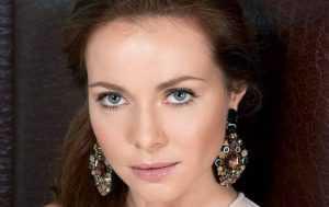 Брянских дам поздравят известные артисты России