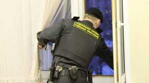 Обвиняемый спрыгнул с 6 этажа