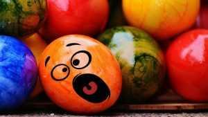 Брянский студент забросал администрацию яйцами