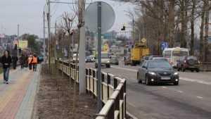 Брянские дорожники уничтожили симпатичный забор около «Аэропарка»