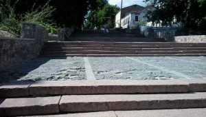 Голосование в Брянске за проект лестницы превратилось в балаган