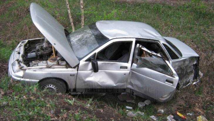 На брянской дороге перевернулась легковушка – погибли двое мужчин