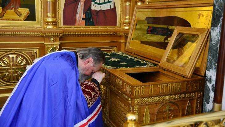 Митрополит Александр совершил Литургию в Кафедральном соборе Брянска