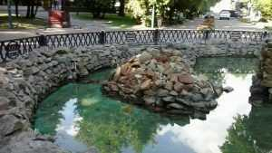 Струи фонтана в брянском Круглом сквере засверкают через несколько дней