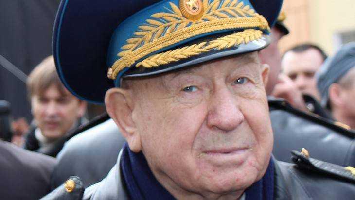 Алексей Леонов рассказал в новой книге о гибели Гагарина