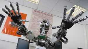 Охранников и продавцов заменят роботы