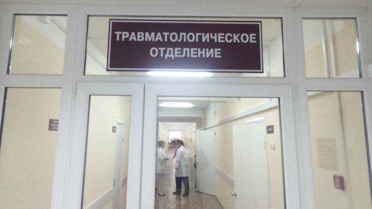 Под Брянском перевернулась легковушка – ранены два человека