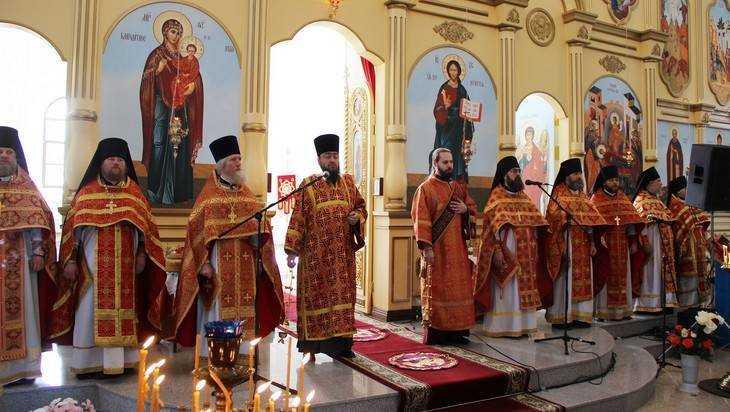 В Успенском Соборе брянского Свенского монастыря прошла первая служба