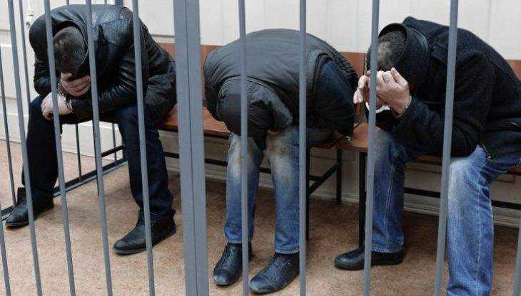 Троих жителей Брянска обвинили в кражах санок, велосипедов и удочек