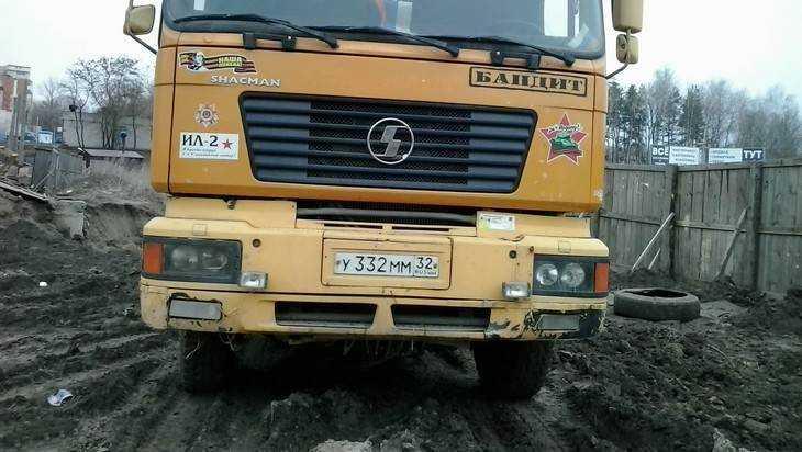 Власти нашли способ очистить дороги Брянска