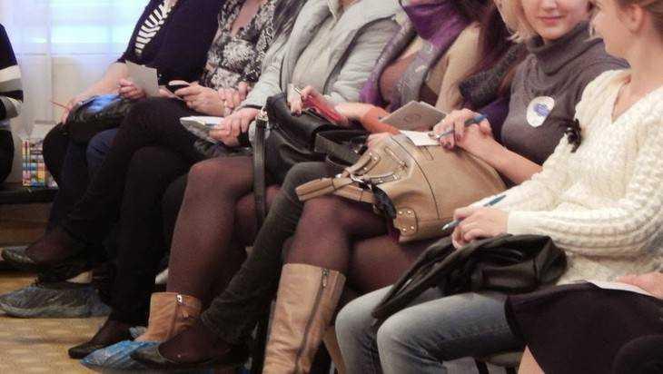 Приемных родителей в Брянске пригласили на родительское собрание