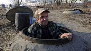 В Советском районе Брянска обнаружили 11 опасных люков