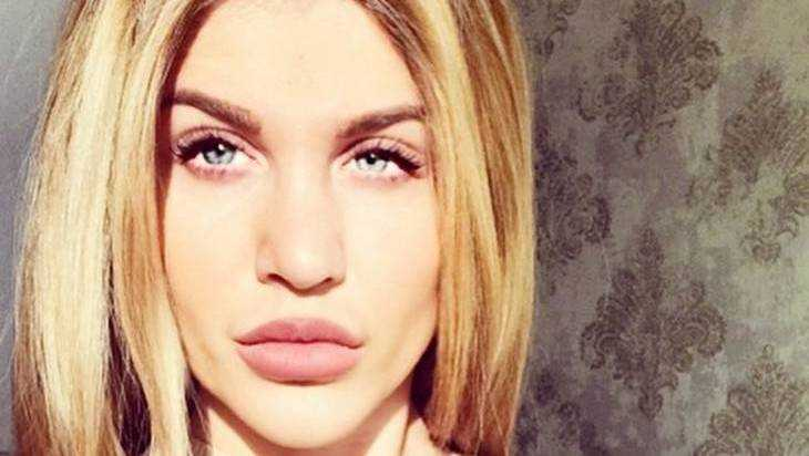 Жена брянского депутата Коломейцева пригрозила переехать обидчиков дочери