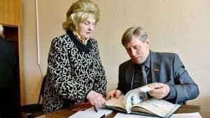 Брянский депутат помог жителям Карачевского района