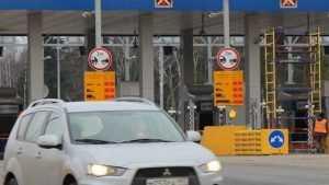 Брянские водители застряли в гигантской пробке на платном участке Киевской трассы