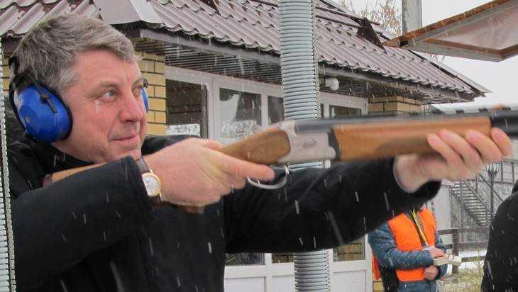 Брянский губернатор Александр Богомаз наломал дров в лесу