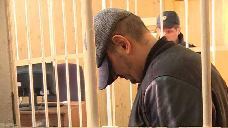 Обвиняемый в избиении учительницы брянец Вьюнов вызвал у нее дрожь