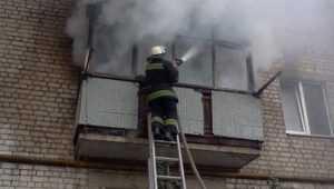 В Брянске из-за пожара эвакуировали 10 жильцов многоэтажки
