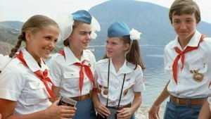 Брянских школьников приняли в пионеры на Красной площади