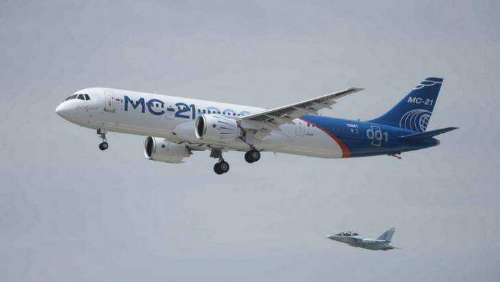 Новый российский самолет МС-21 впервые поднялся в небо
