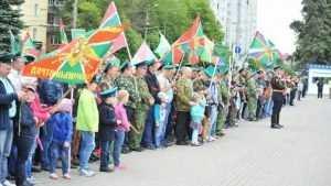 Брянские пограничники отметили профессиональный праздник шествием